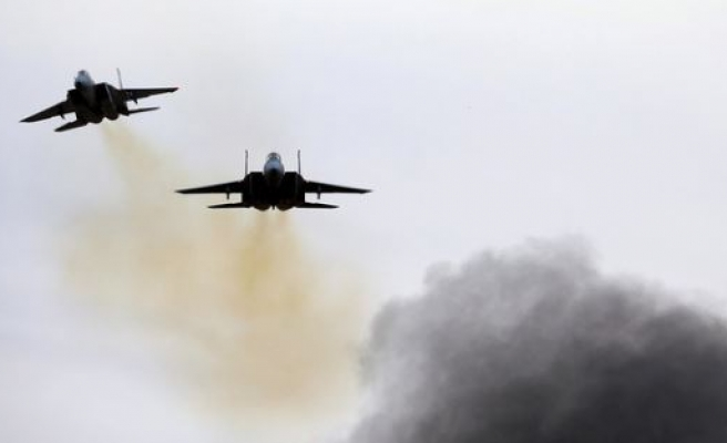 Israeli airstrikes kill 2 Palestinians in Gaza Strip