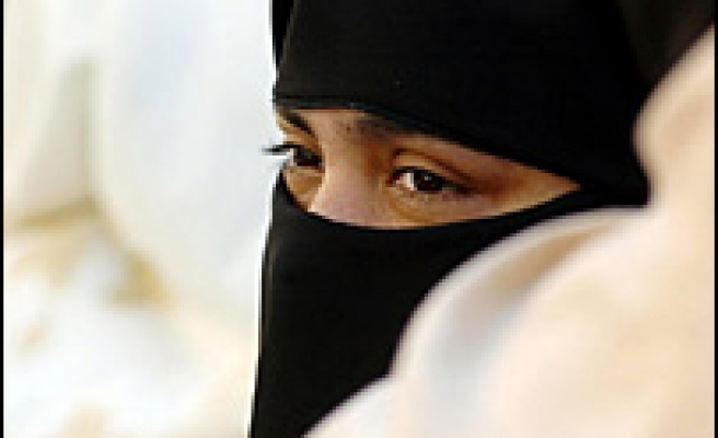 Muslim student ordered to remove face-veil in Germany