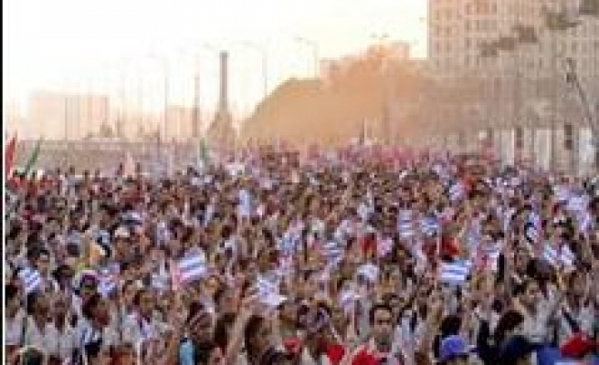 Castro heads protest against US