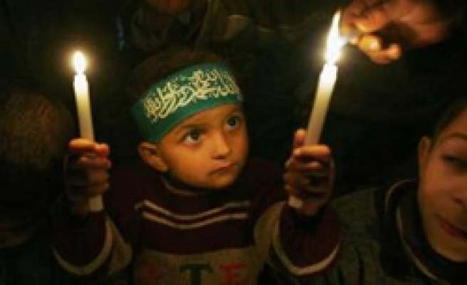 2 Gaza children burn to death after electricity outage