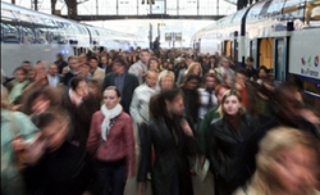 Eurostar staff to protest one-manager system on trains