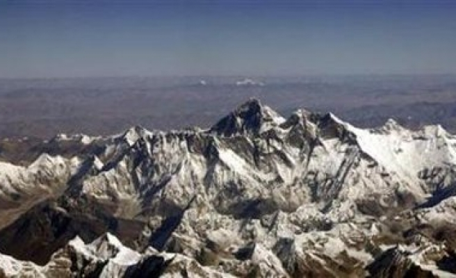 Search ends for missing on Everest, some call for shutdown