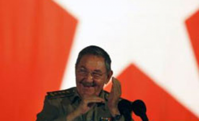 Cuba 'to release two more political prisoners'