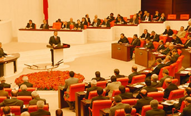 First round of presidential election on 6 May