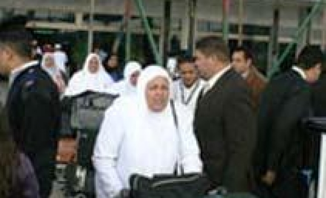 Spanish Muslims Favor Old Hajj Route