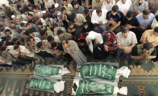 Four Israel air strikes leave many Palestinians dead