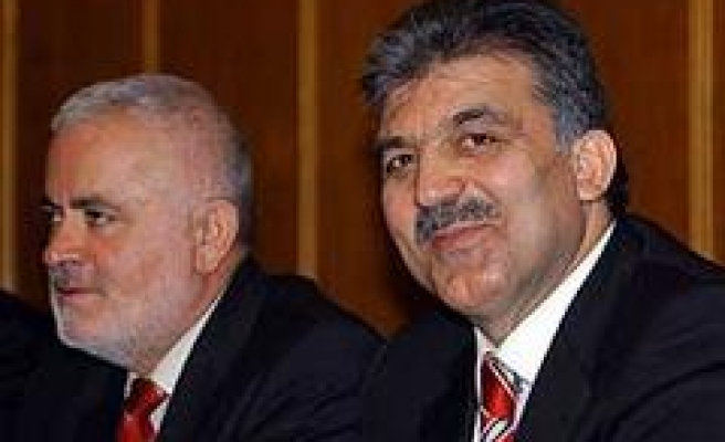 Gül Blames Caricature Conflict on Lack of Foresight in Europe