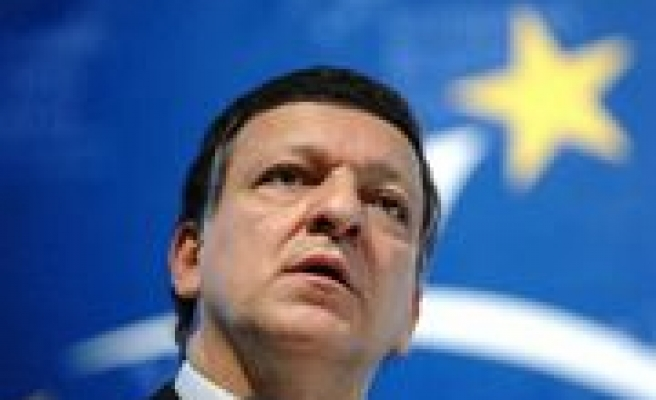 Brussels warns Poland and UK on EU constitution