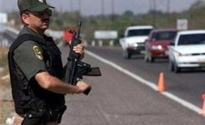 Mexico fires all customs agents