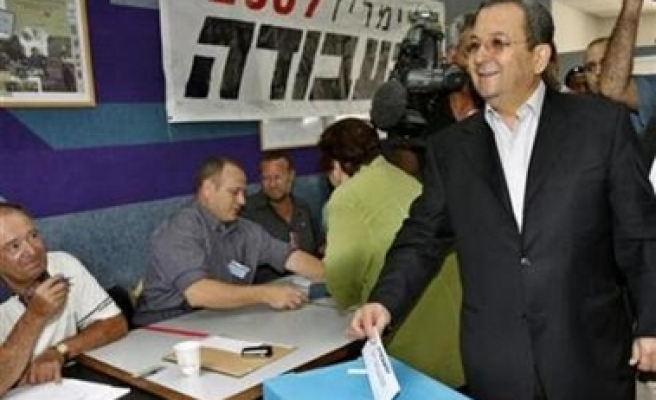 Labour Party Barak vows to topple Olmert