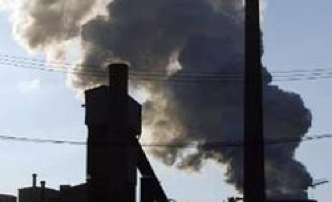 China vows to cut energy, carbon intensity by 16-17 pct by 2015
