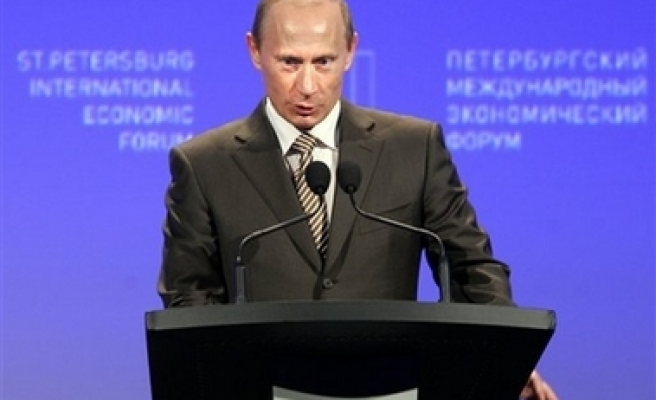 Putin calls for new economic world order