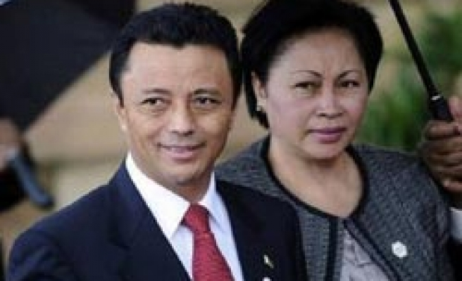 Madagascar's ex-president rejects coup leader Rajoelina