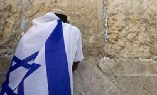Israel says embassy in Egypt open