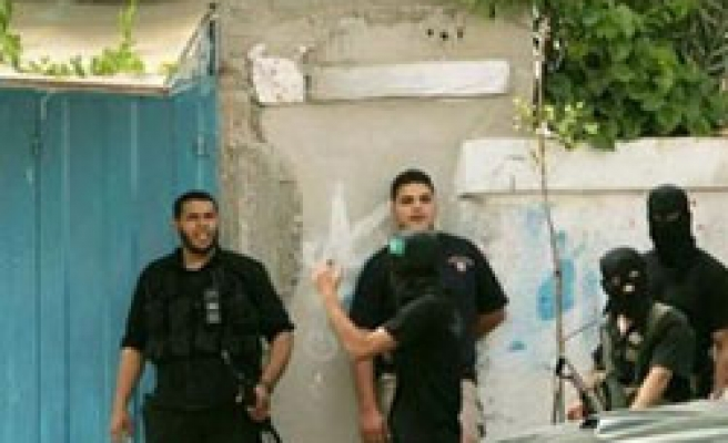 Grenade fired at home of Palestinian PM