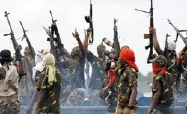 Up to 15,000 Nigerian gunmen lay down arms for amnesty
