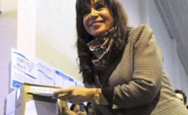 Economy helps Argentine leader with eye on election