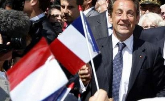 Sarkozy, allies to win most of seats - poll