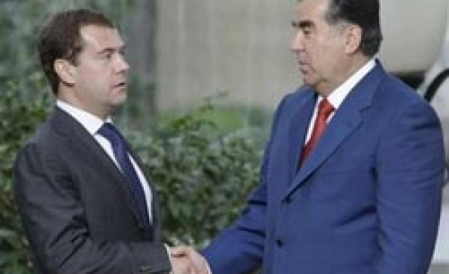 Tajikistan detains two Russian soldiers for murder