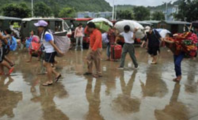 Fleeing Myanmar fighters enter China