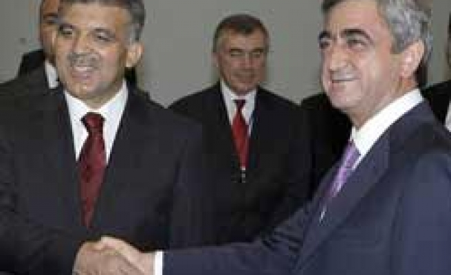 Turkey's Gul hopes Armenia soccer visit without pre-conditions
