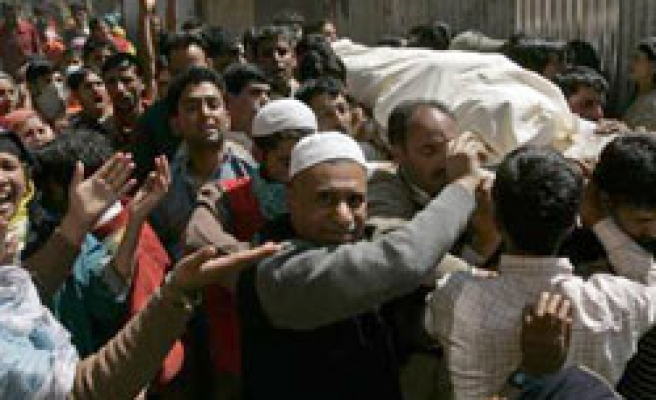 Killing of Muslim member in Indian rape probe jars Kashmir / PHOTO