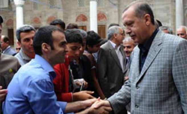 Turkish leaders in Istanbul mosques for Eid Al-Fitr prayer / PHOTO