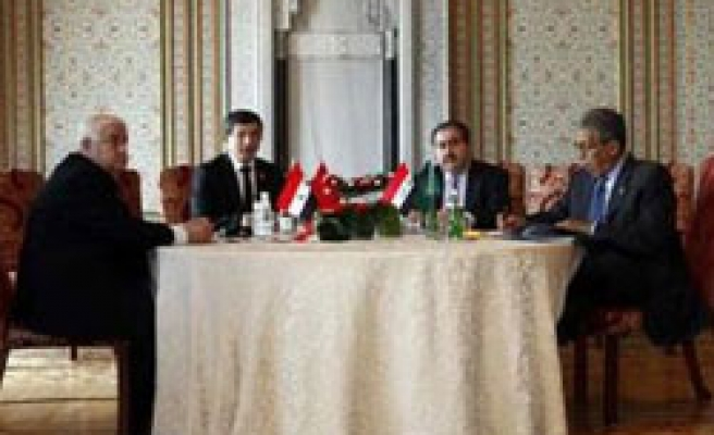 Turkey says to keep efforts to ease Iraq, Syria tensions