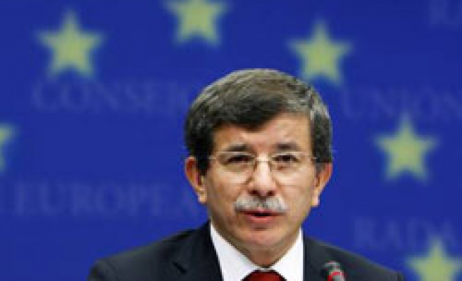 FM Davutoglu opens 3rd Turkey-Holland meeting
