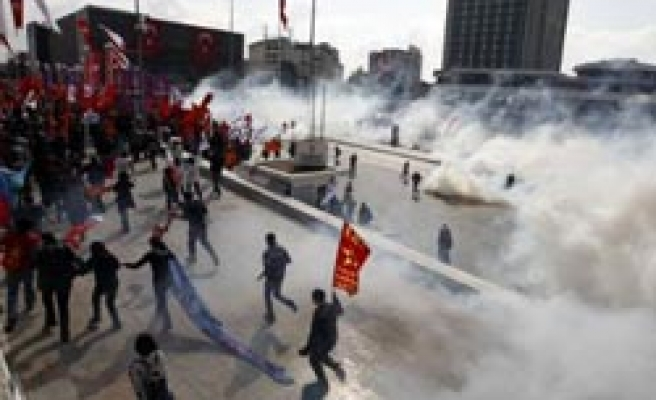 Many detained in Turkey's IMF protests / VIDEO