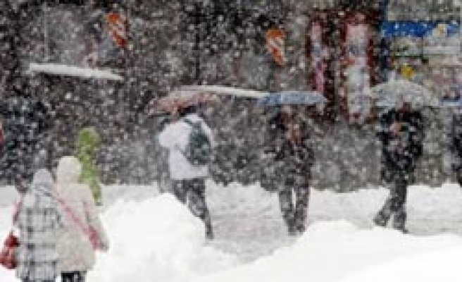 Cold snap kills 3 in Poland, power cuts across central Europe