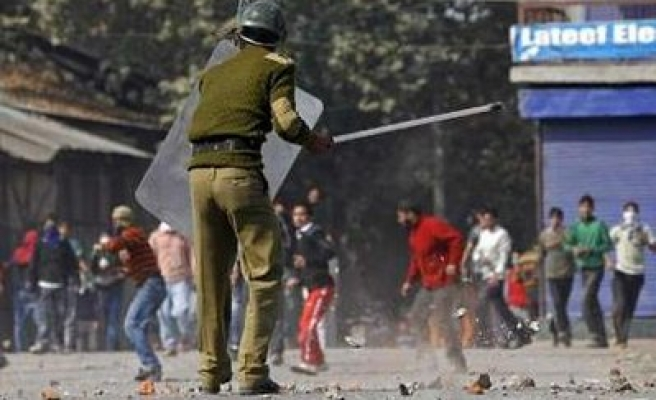 Kashmiris urge pullout of Indian troops before 'talks'