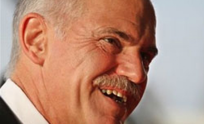 Papandreou says Greece wants to imporve ties with Turkey