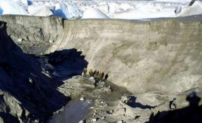 Large glacial lake disappears in southern Chile