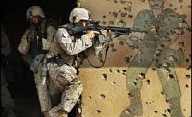 UK to Cut Iraq Troops by 800
