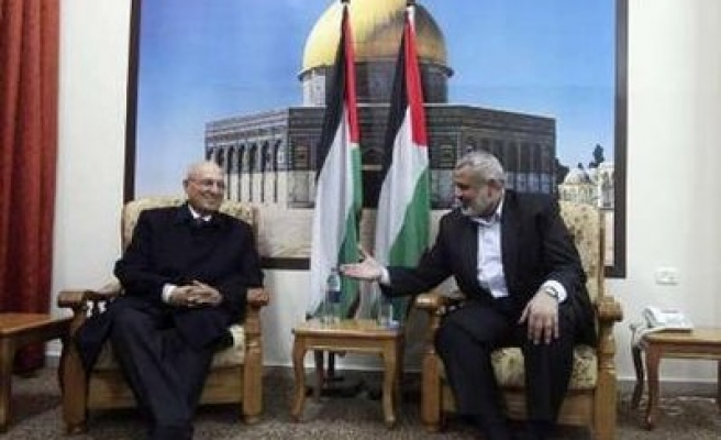 Hamas rejects Abbas election call