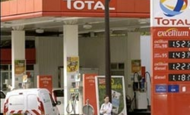 Total to end Iran fuel sale if US passes sanctions