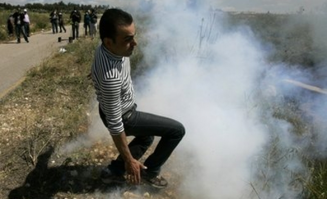 Israel opens fire on Gaza protesters, injures 2