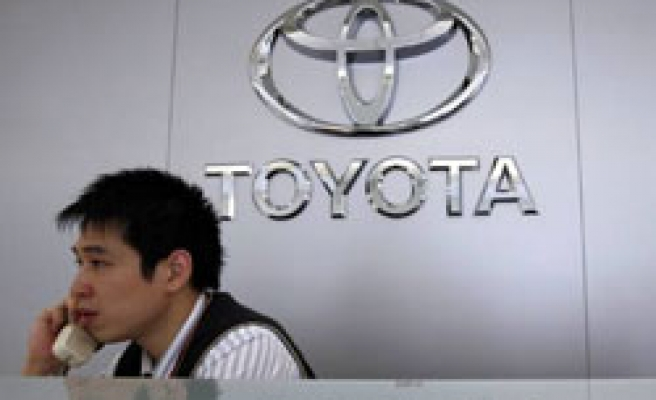 US firms sue Toyota over acceleration claims