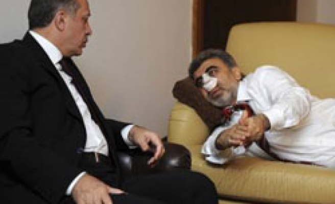 Turkish minister released from hospital, suspect boxer / PHOTO