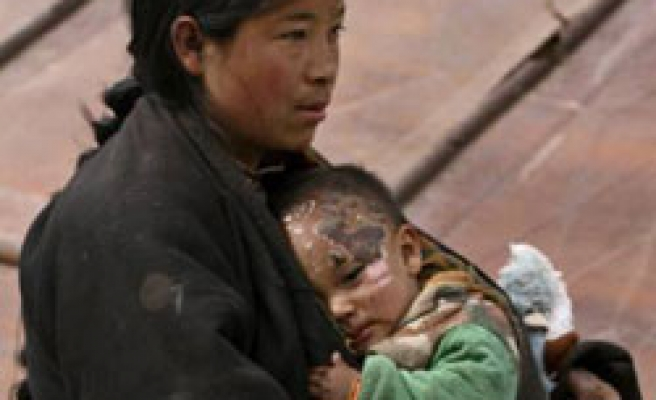China mourns earthquake victims