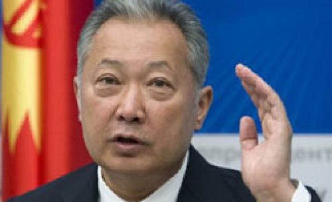 Kyrgyzstan's Bakiyev calls on foreign troops to stop ethnic unrest