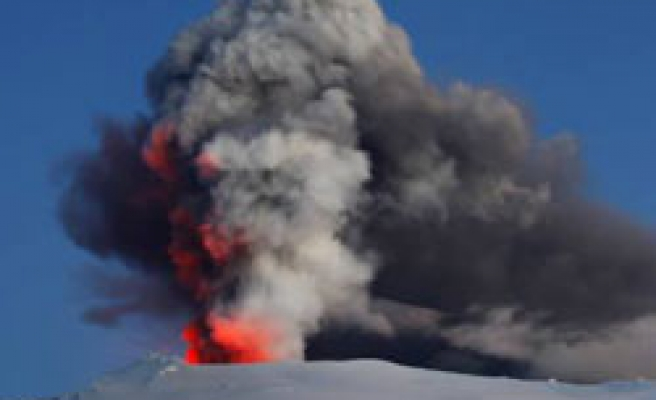 EU sees cost of volcanic cloud at 1.5-2.5 bln euros