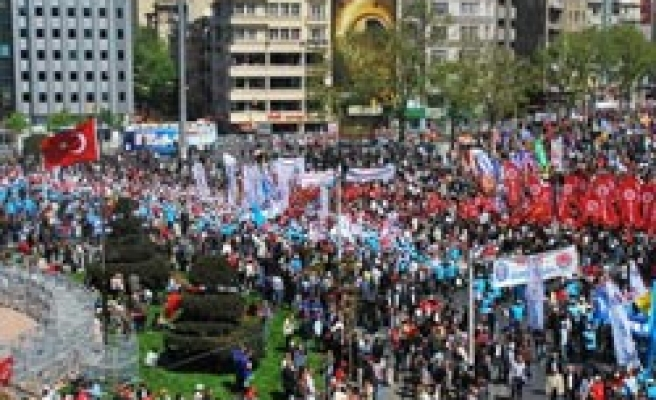 Peaceful May Day celebrations ends in Turkey's Istanbul