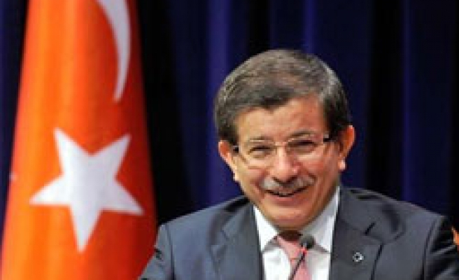 Turkey's Davutoglu to visit Iran over nuclear issue
