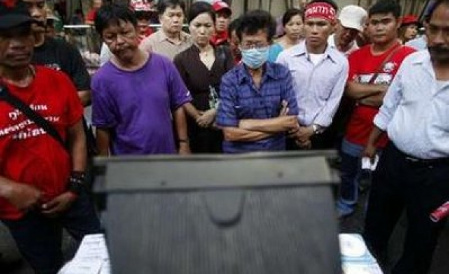 Thai protesters say will consider government peace plan