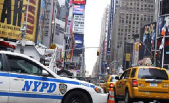 Arrested man says 'alone' over New York bomb attempt