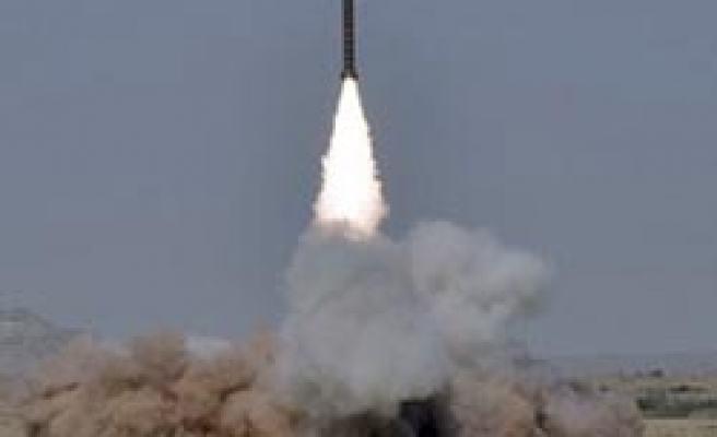 Pakistan successfully tests nuclear capable missiles