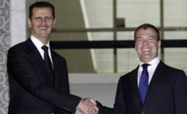 Russia signs deals to sell Syria air defence systems