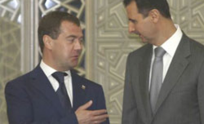 Russia to sell Syria warplanes, air defence systems